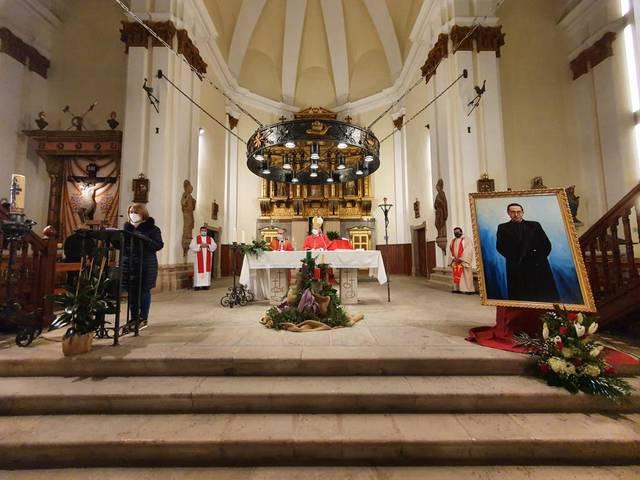 Aitona homenatja amb una missa el beat Josep Camí