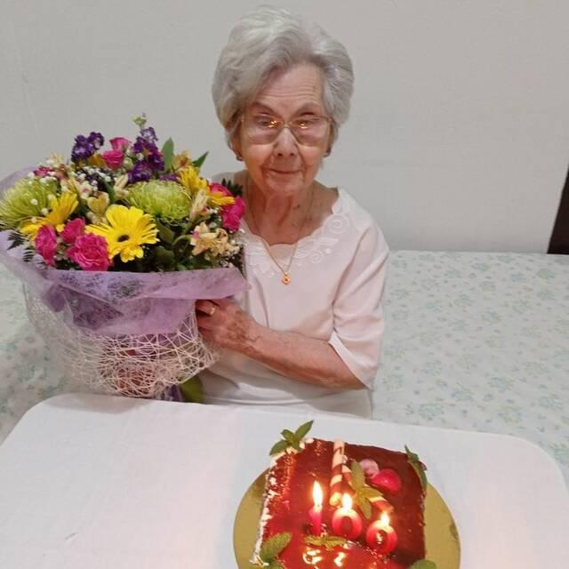 Alcarràs homenatja l'Agustina Salué pels seus cent anys de vida