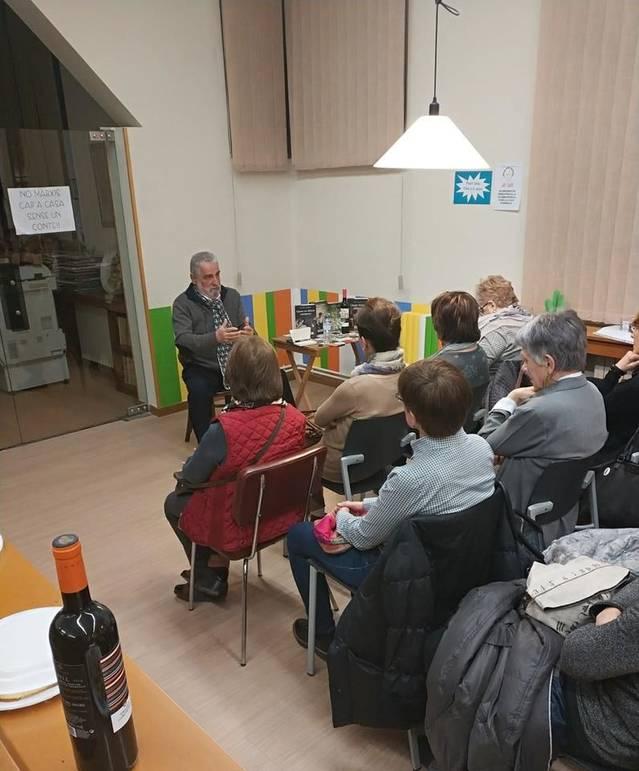 La Biblioteca d'Alguaire va celebrar un taller litarari amb l'escriptor Rafel Nadal