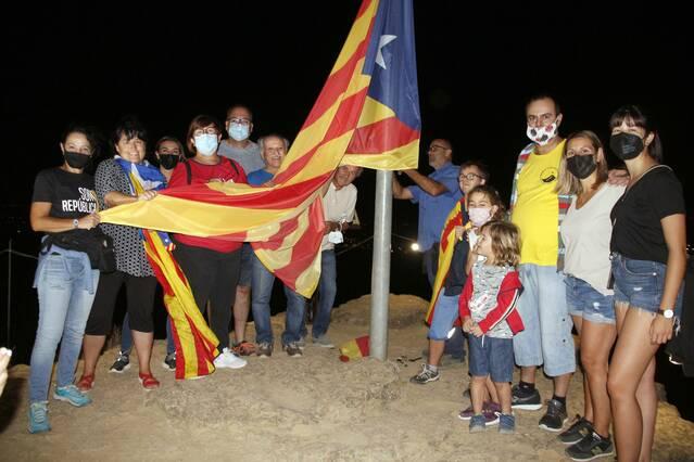 Alpicat reviu la tradicional Pujada al Tossal de la Corona per l'11 de Setembre