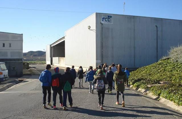 Alumnes de l'Escola La Creu de Torrefarrera visiten el Centre de Tractament de Residus del Segrià
