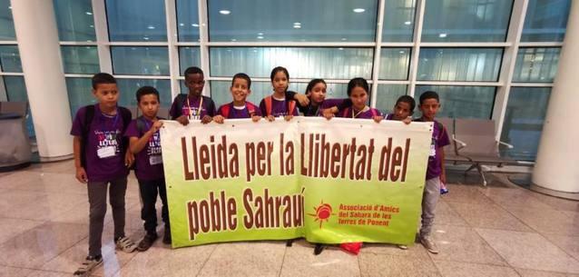 Arriben els primers nens saharauis del programa 'Vacances en Pau'