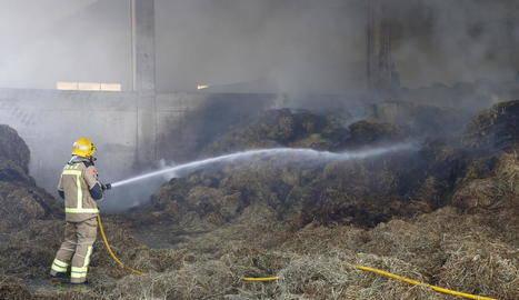 Crema palla en una granja a Vilanova de la Barca