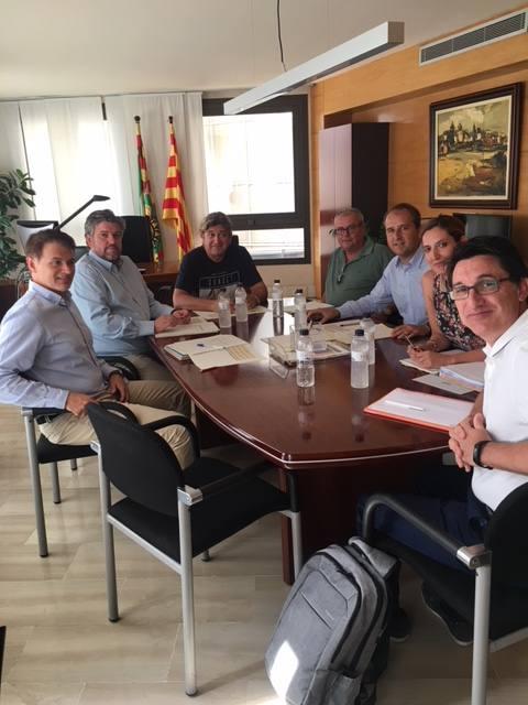 El Consell Comarcal es reuneix amb FCC-Arnó per millorar el sistema d'illes de contenidors