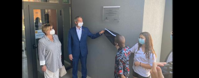El conseller d'Educació, Josep Gonzàlez-Cambray, ha inaugurat l'Escola d'Almenar