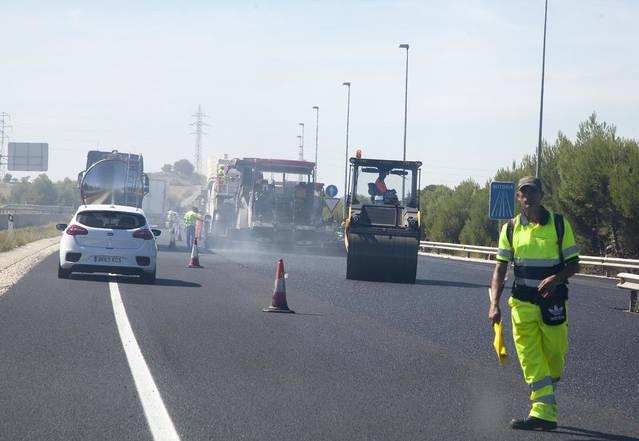 El reasfaltat de l'autovia A2 entre Torrefarrera i Corbins alterarà el trànsit per la variant de Lleida a partir de demà