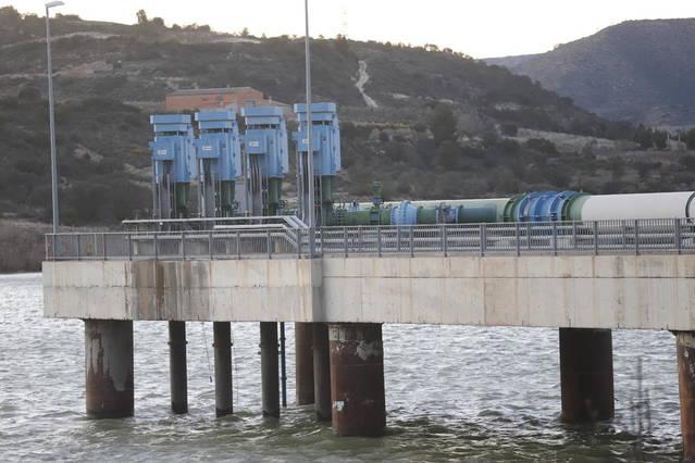 El robatori de cable a la captació d'aigua de l'Ebre deixa sense bombatge el reg del Segrià Sud