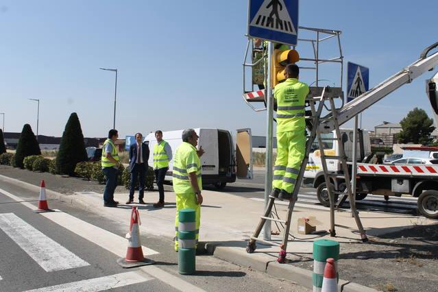 Foment millora el sistema d'enllumenat i senyalització de la N-230 al seu pas per Torrefarrera