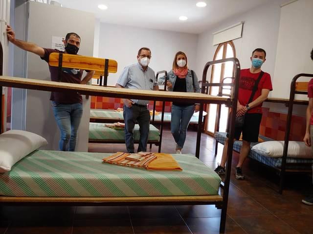 Seròs habilita espai per confinar i aïllar fins a 50 treballadors de la fruita en cas de contagi del Covid-19