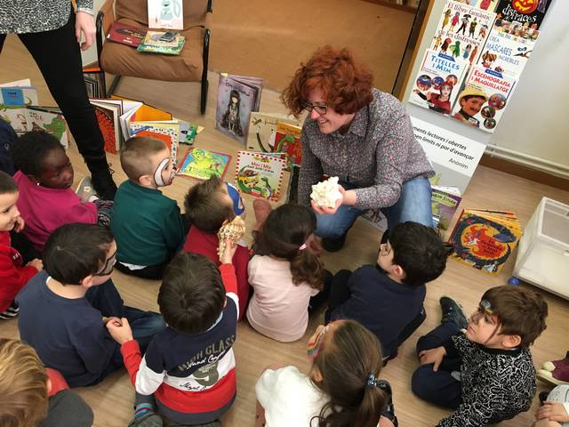 La Biblioteca d'Alguaire projecta la literatura als més petits