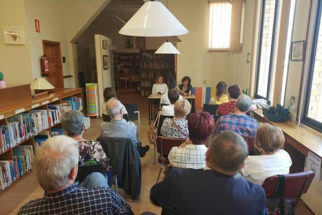 """La Biblioteca d'Alguaire va acollir la presentació del llibre presentació del llibre """"Atles de l'oblit"""""""