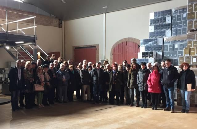 La biblioteca d'Alguaire visita el Celler del Castell del Remei