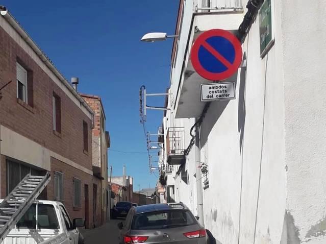 La Granja d'Escarp prohibeix aparcar en carrers estrets