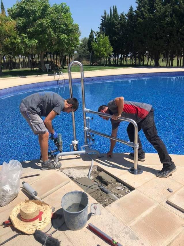 La piscina municipal de Llardecans tindrà un elevador hidràulic per banyistes amb mobilitat reduïda