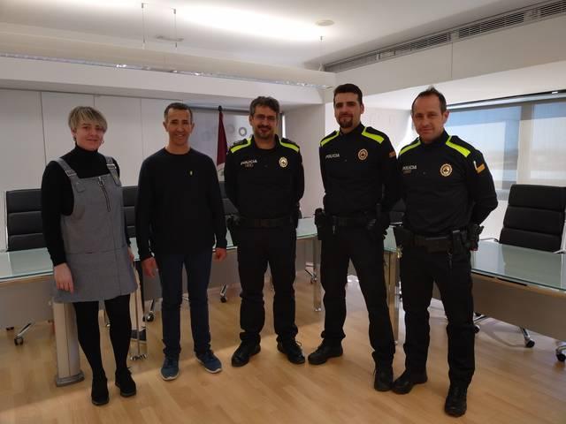 La policia local d'Alcarràs incorpora dos nous agents i estrena uniforme