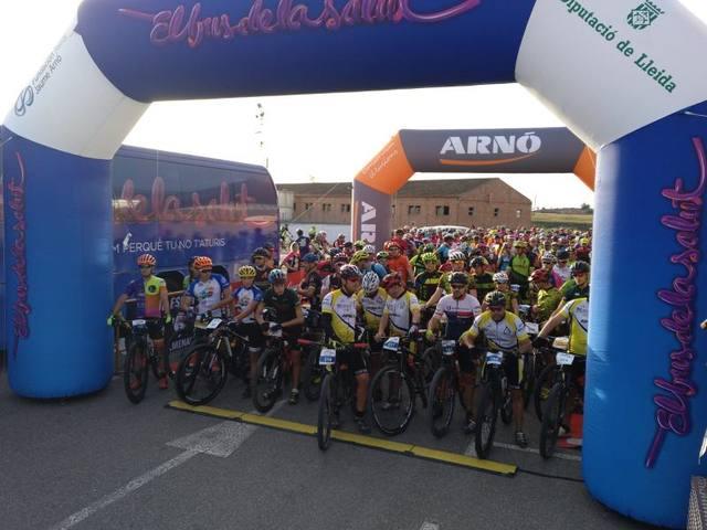 La Transplant Bike Almenar reuneix 400 participants