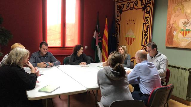 L'Ajuntament d'Almacelles reajustarà les partides pressupostàries per tal de poder finançar la inversió prevista en la millora dels accessos a l'Escola Antònia Simó i Arnó