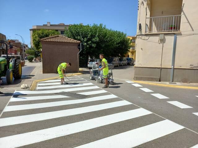 L'Ajuntament d'Aitona actualitza la senyalització horitzontal i vertical del municipi
