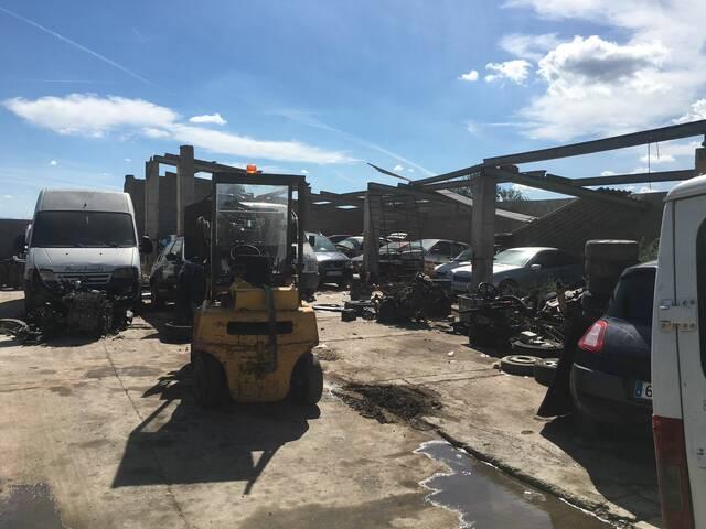 L'Ajuntament d'Alcarràs inicia un procediment disciplinari amb relació a una granja a la qual es desballesten vehicles sense permís