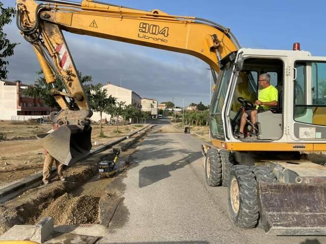 L'Ajuntament d'Almacelles diu que molts pobles, amb una expansió urbanística poc endreçada, han aprofitat conduccions de reg com a canalitzacions de clavegueram