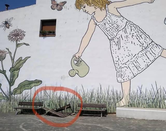 L'Ajuntament d'Almacelles torna a denunciar destrosses en el mobiliari urbà