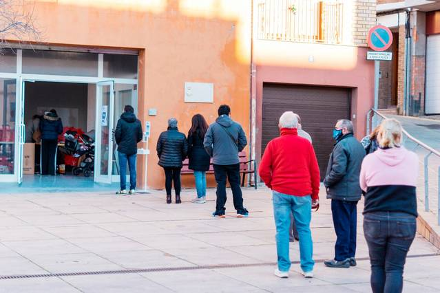 L'Ajuntament de Rosselló reparteix lots gratuïts higiènics i sanitaris