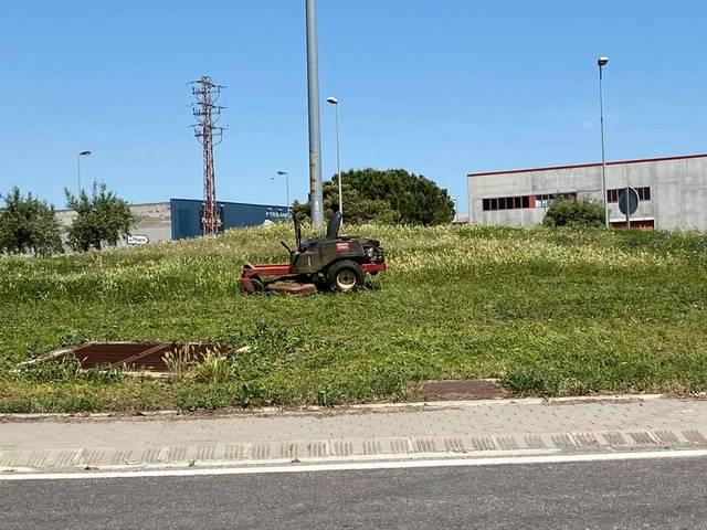 L'Ajuntament de Torre-serona neteja el poble de males herbes i plagues
