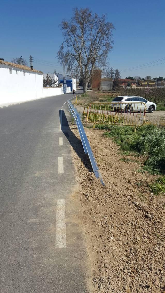 L'Ajuntament de Torrefarrera reposa la tanca de protecció del pont del camí de Torre-serona