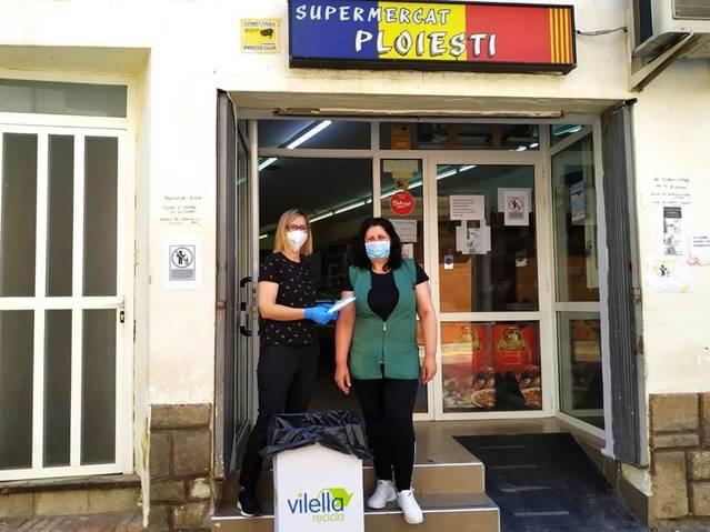 L'Ajuntament de Torres de Segre lliura materials de protecció a una quarantena de comerços locals