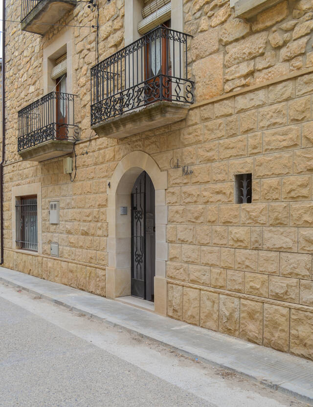 L'auge de l'oleoturisme porta a obrir la primera casa rural a Maials