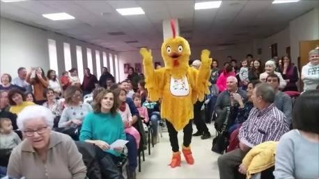 L'Escola Bressol Municipal Els Tabollets estrena nova mascota i himne