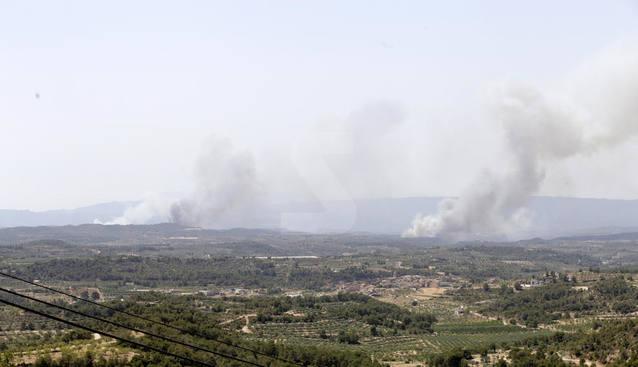 L'incendi de Ribera d'Ebre avança cap a Maials