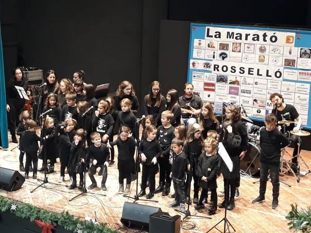 Més de 300 persones assisteixen al concert de Nadal de l'Escola de Música Municipal de Rosselló