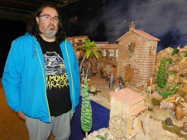 Més de 400 figures al pessebre d'Almenar