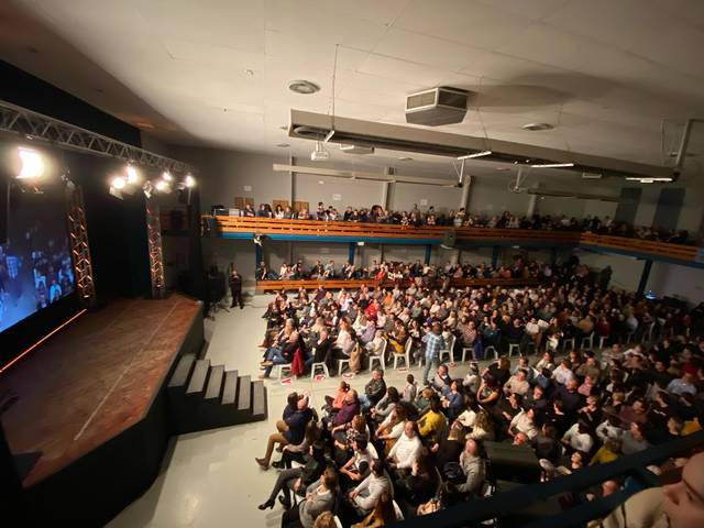 """Més de 700 persones assisteixen a l'espectacle """"Bona gent"""" de Quim Masferrer a Rosselló"""
