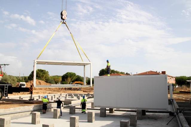 Mòduls metàl·lics prefabricats per ampliar l'institut d'Alpicat