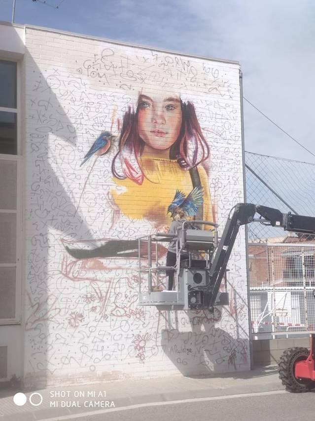 Mural de Lily Brick a l'escola d'Alcoletge