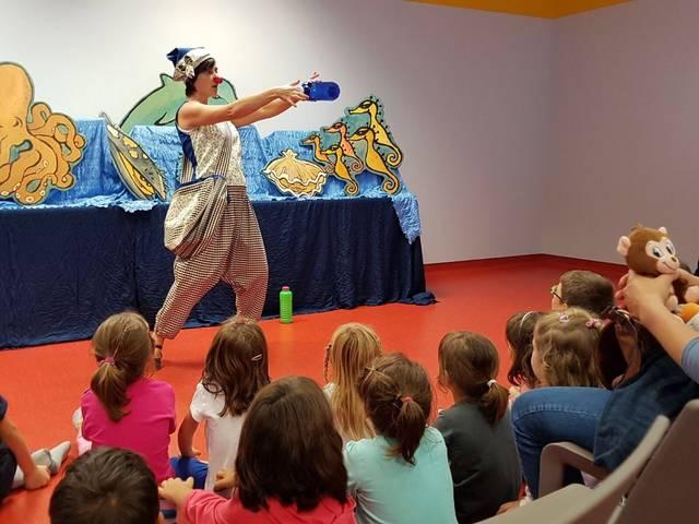 Nova sessió de l' Hora del Conte a la Biblioteca d'Alguaire