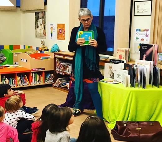 """Patricia McGill presenta """"Contes de set vides"""" a la Biblioteca Pública d'Alguaire"""