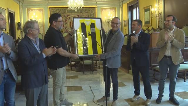 Recepció a la Paeria al Club Bàsquet Pardinyes pel seu triomf a la Lliga Catalana LEB