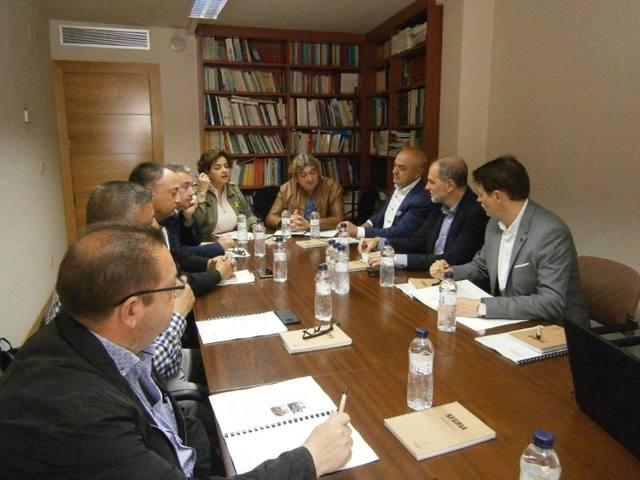 Reunió del Consell Comarcal amb empreses i representants agraris per buscar sinergies