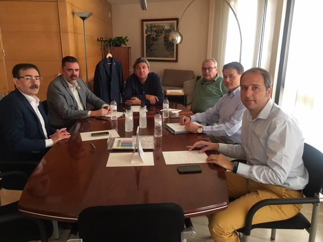 Reunió entre Consell Comarcal i Agència de Residus per millorar la recollida selectiva