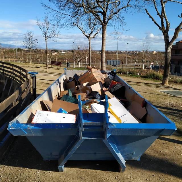 Rosselló i Benavent de Segrià habiliten contenidors específics per recollir el cartró que generen les festes de Nadal i Reis
