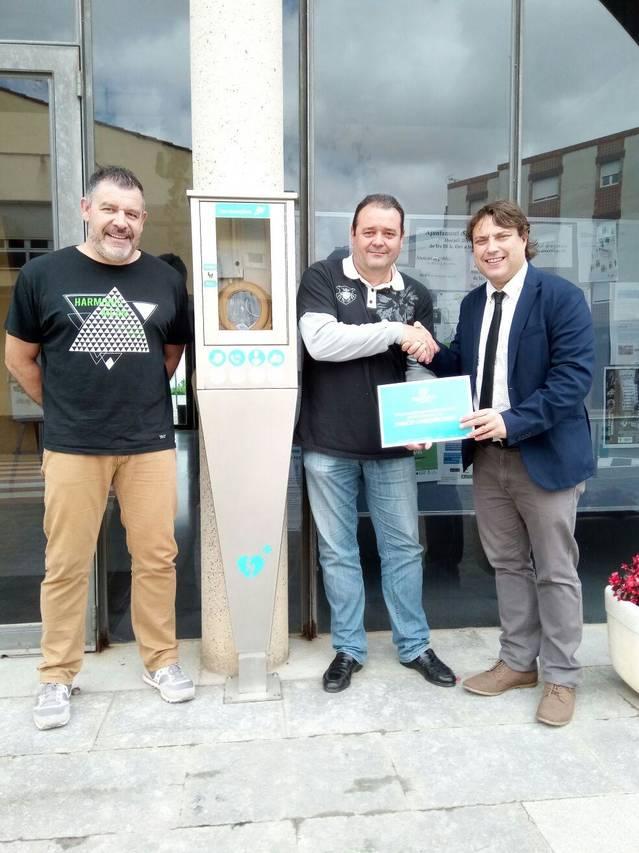 Rosselló rep el certificat de municipi cardioprotegit