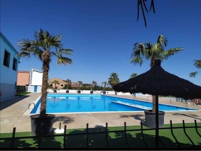 Soses rep 267.000 euros per arranjar les piscines i l'antiga casa del metge