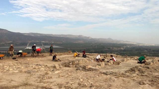 Tercer any d'excavacions arqueològiques a la serra del Calvari de la Granja d'Escarp