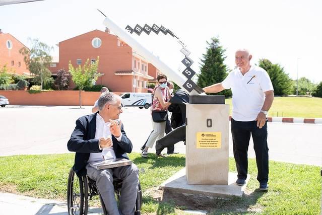 Torrefarrera inaugura el rellotge de sol creat pel doctor Serés