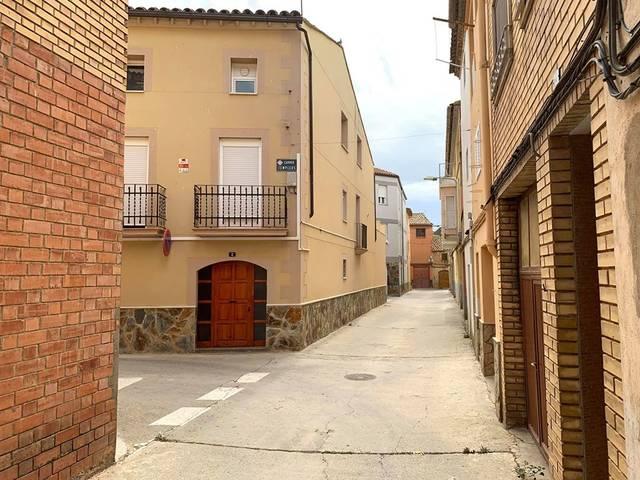 Torres de Segre rep més de 360.000 euros de la Generalitat per urbanitzar el nucli antic i adequar el pavelló poliesportiu