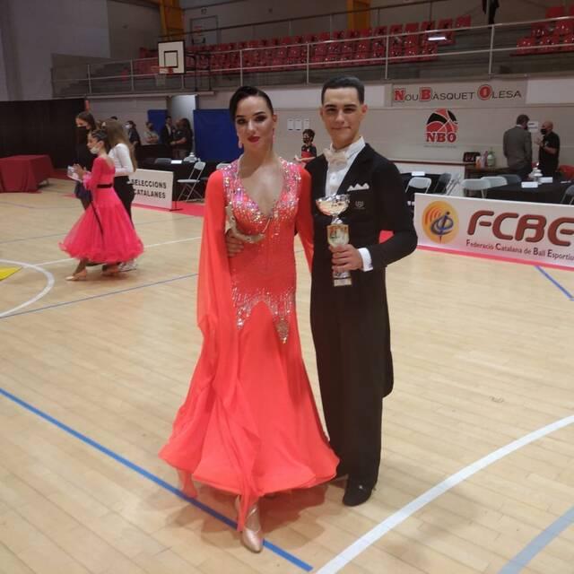 Una parella d'Alcarràs, subcampions de Catalunya de ball esportiu modalitat standard