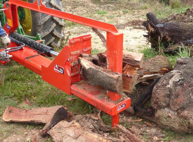 Lightweight wood splitter